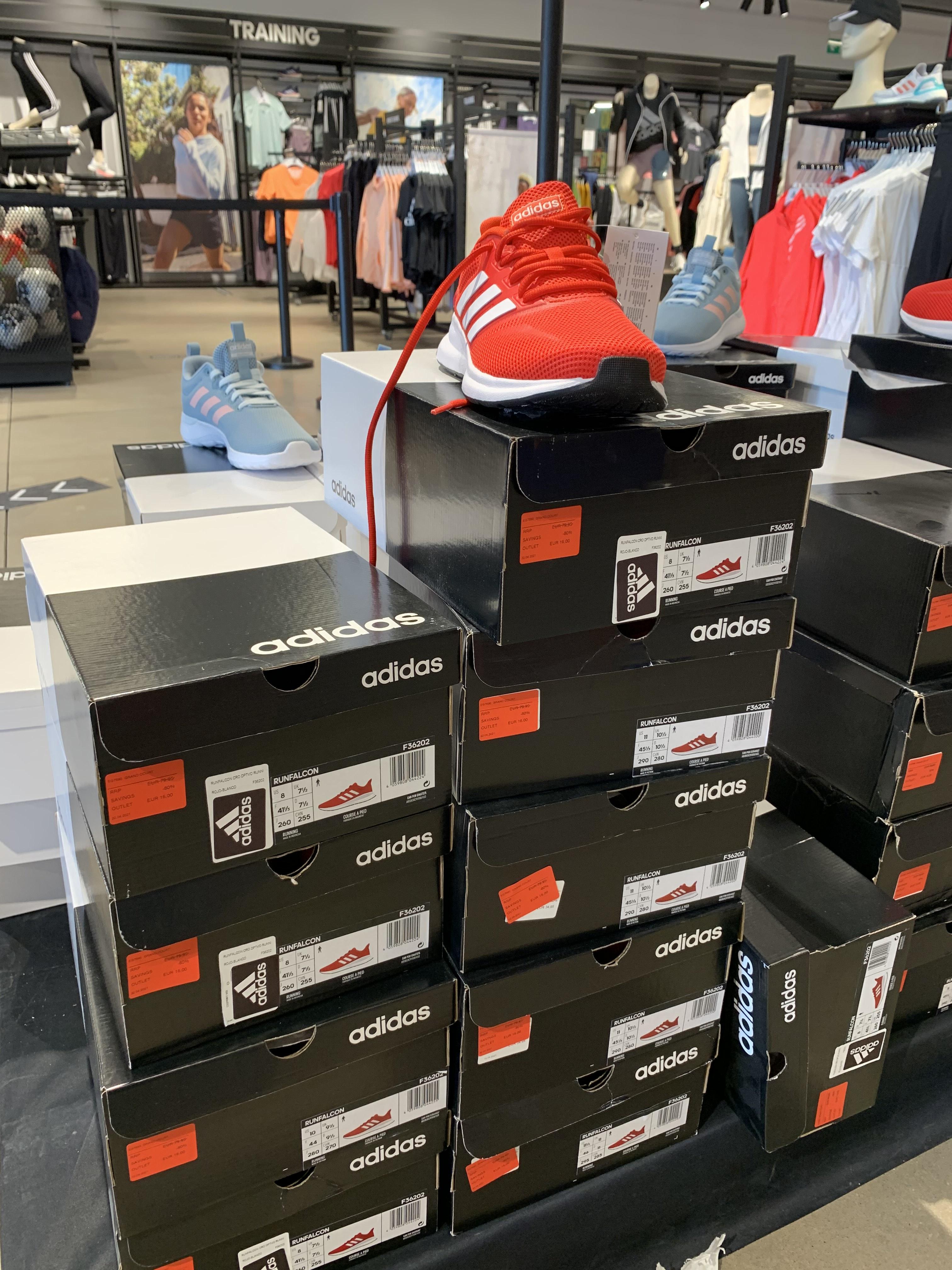 Adidas Runfalcon en el outlet de adidas de San Sebastián de los Reyes (Madrid)