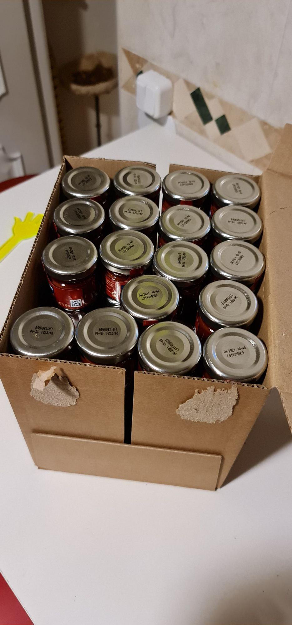 80 botes de ketchup hellmann's