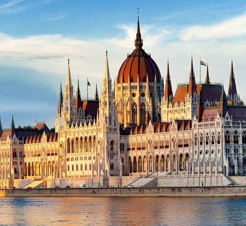 ESCAPADA A BUDAPEST 83€/p= 3 noches en hotel con desayunos y vuelos