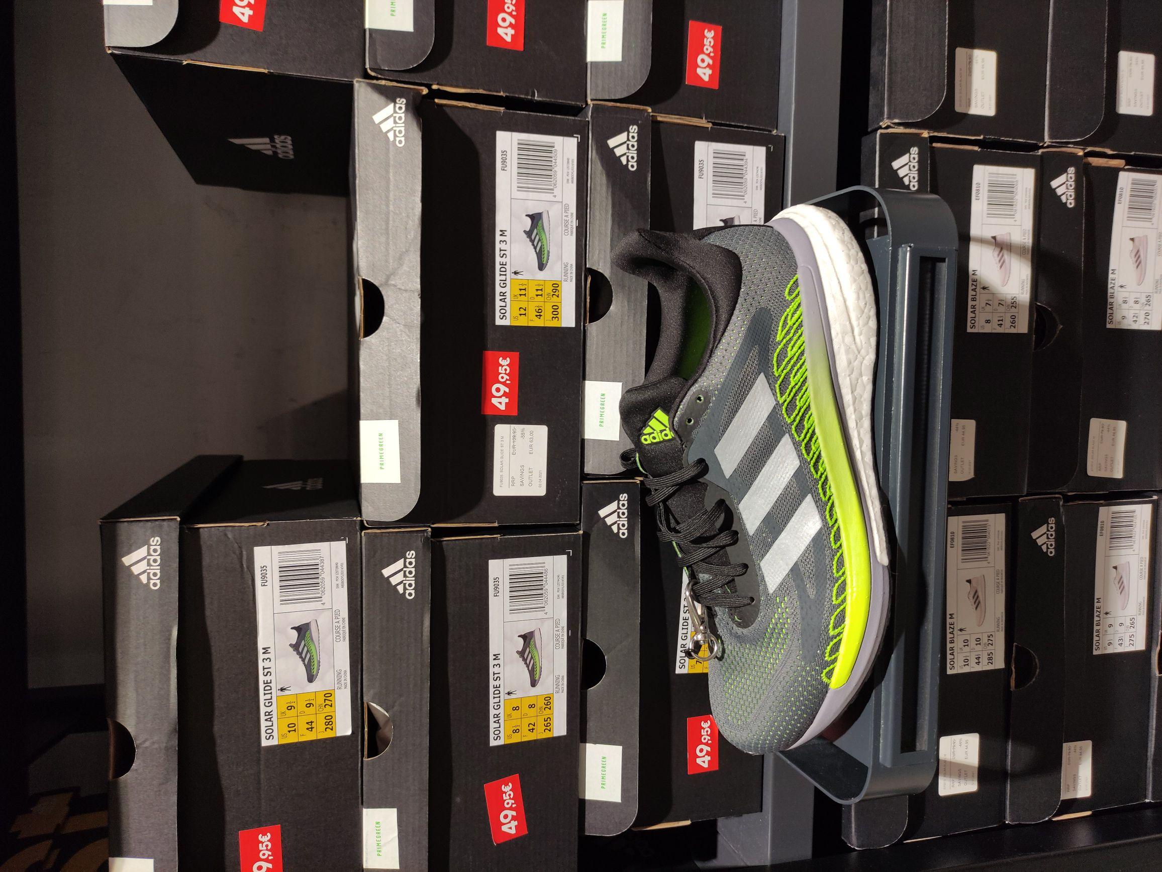 Adidas Solarglide ST 3 a 36 € - talla 42 (Outlet San Sebastián de los Reyes)