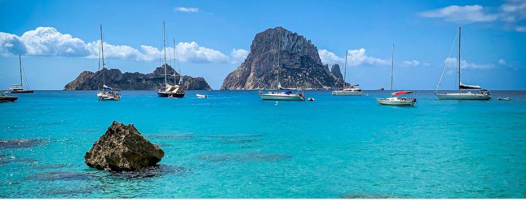 IBIZA EN JUNIO 4 noches de hotel + vuelos directos + Cancela gratis desde solo 80€ (Varios aeropuertos y fechas) (PxPm2)
