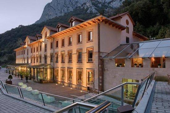 Noche Gratis en Hotel Balneario La Hermida (Peñarrubia, Cantabria) - Leer descripción
