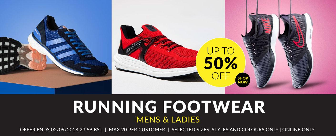 Zapatillas al 50% de descuento o más según modelos.