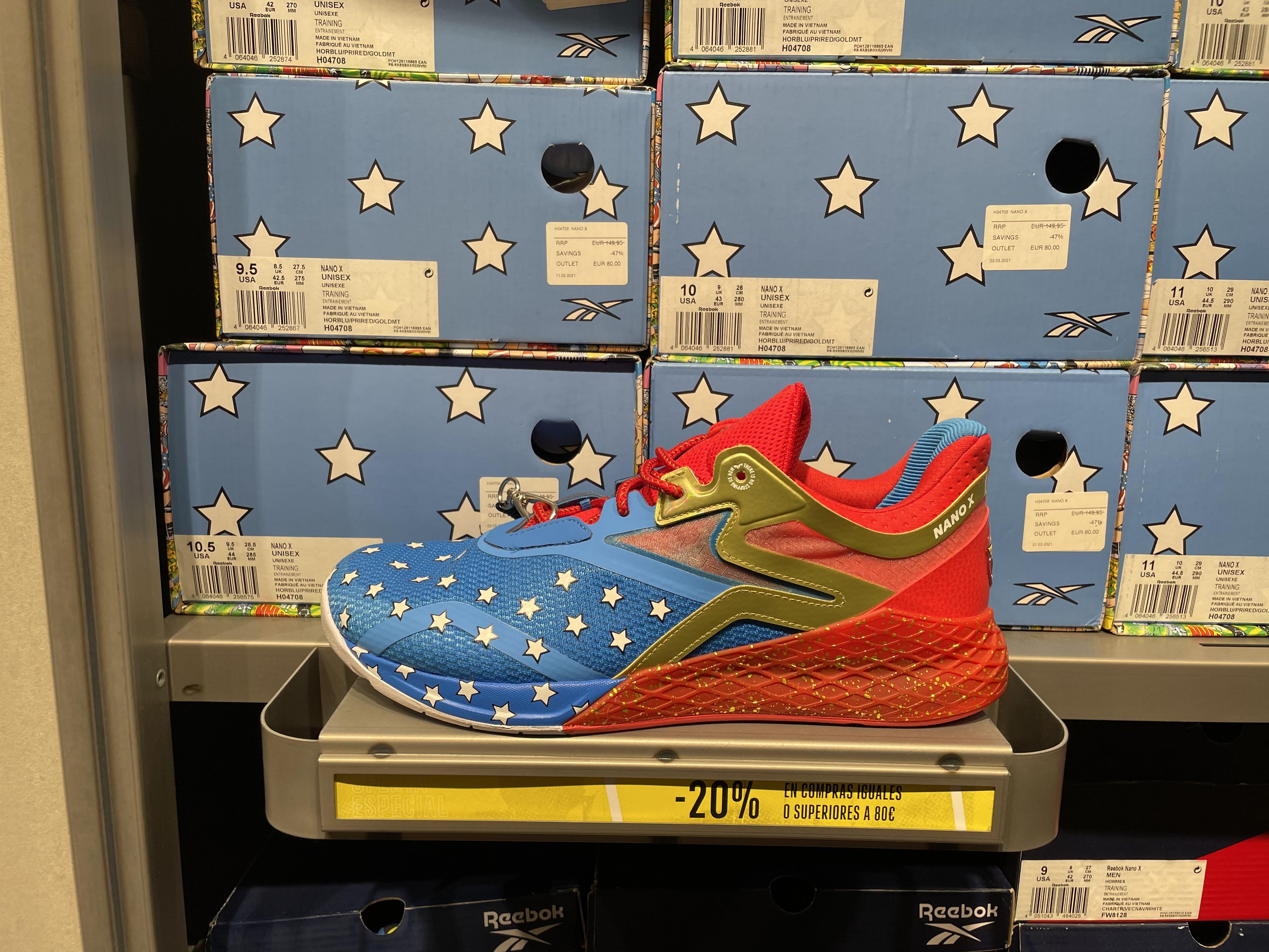 Nano X Wonder Woman en la tienda Adidas de Nassica