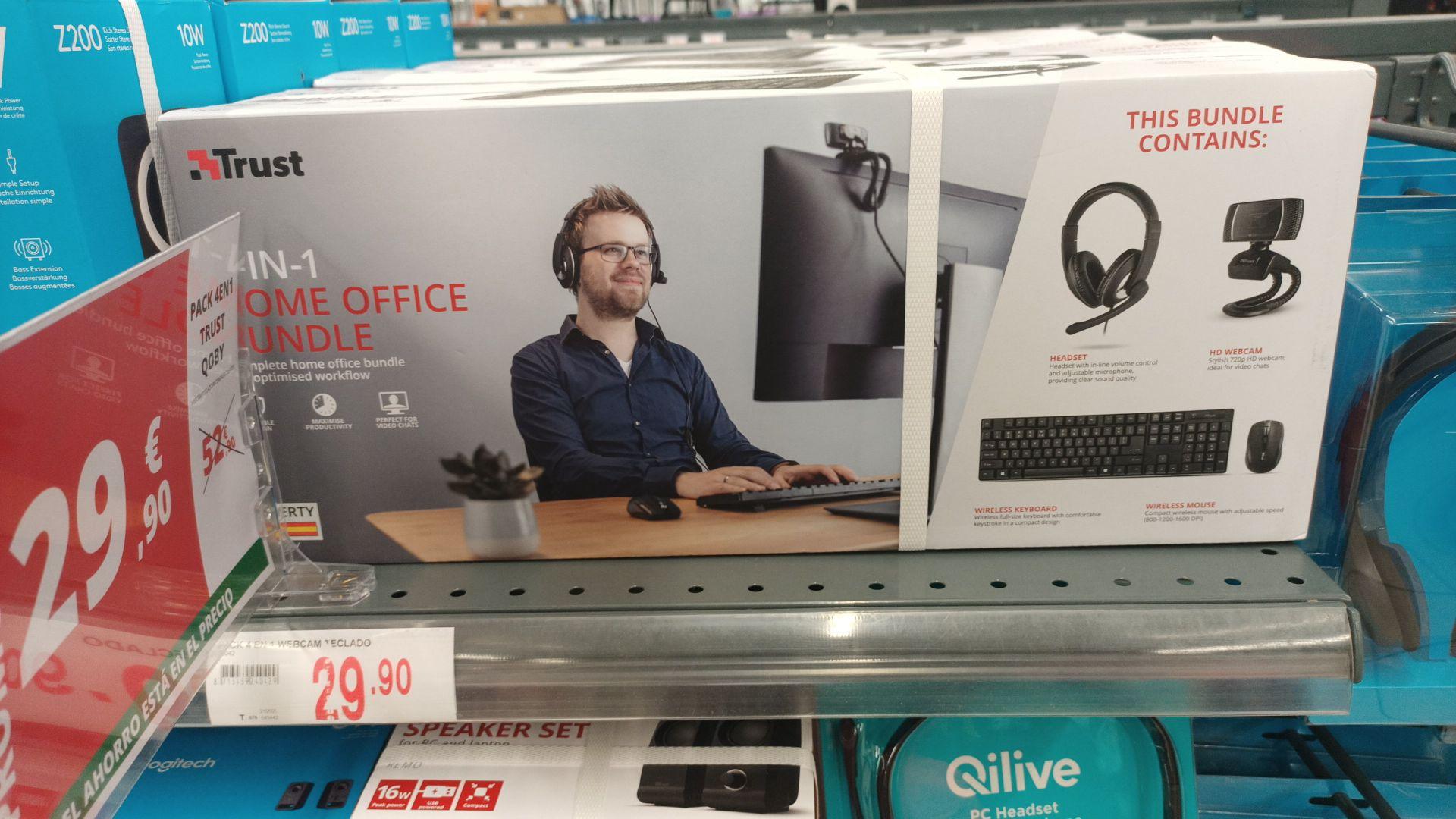 Pack teclado y ratón inalámbricos, con una webcam de 720 y auriculares con cable de la marca trust
