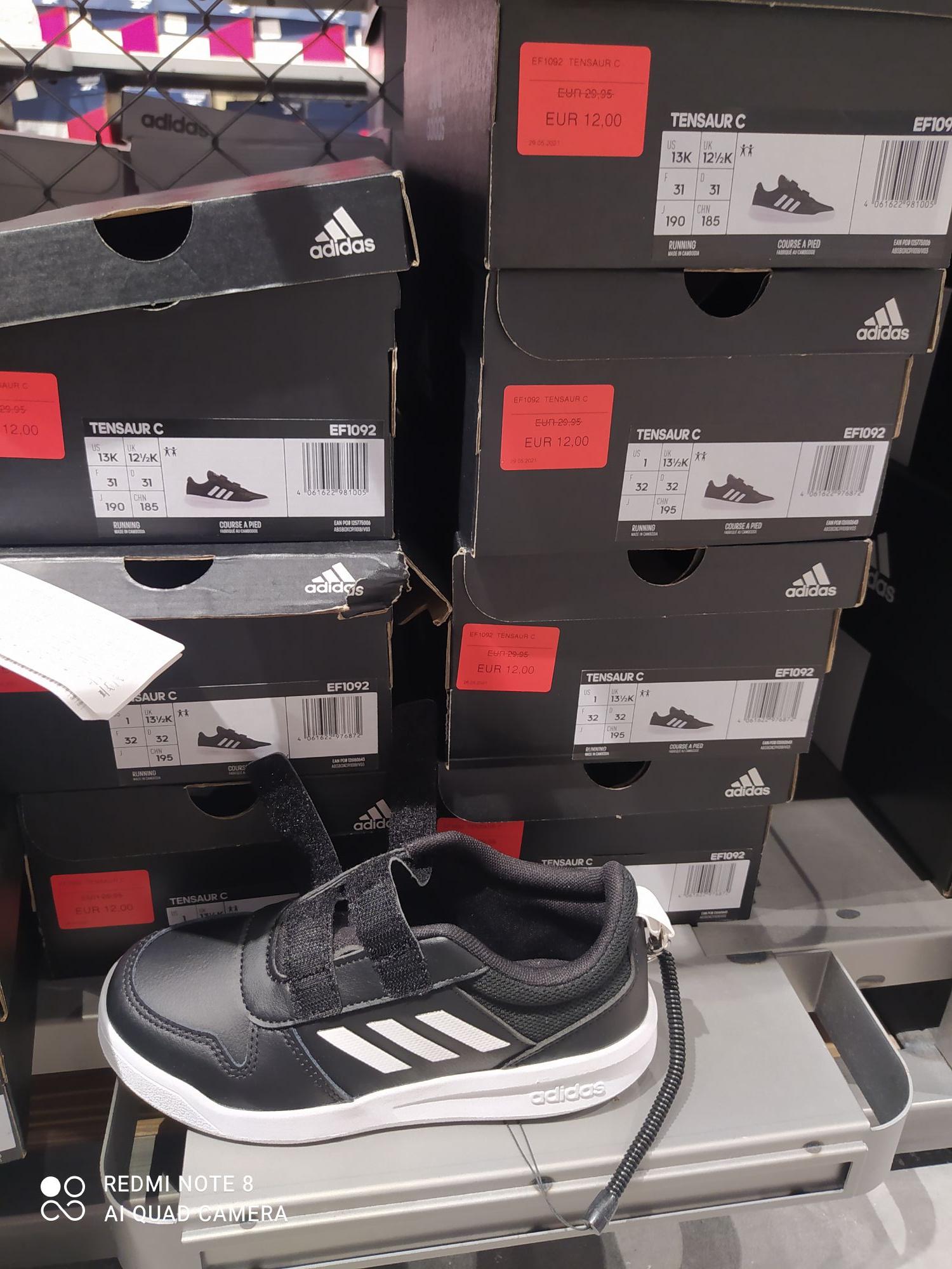 Zapatillas de deporte niños Sevilla fashion outlets. T31, T32
