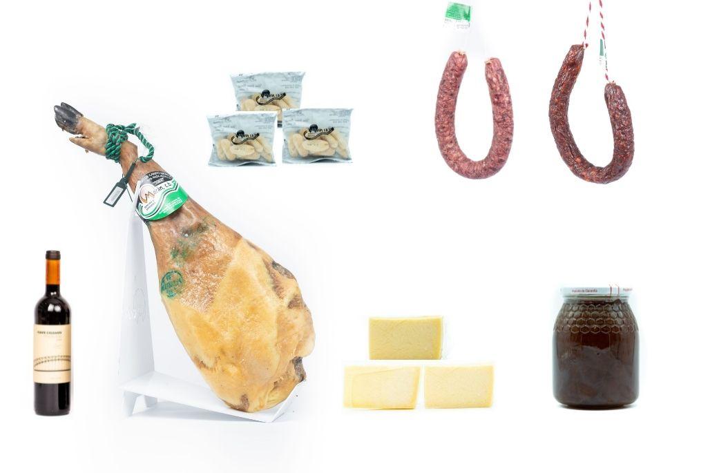 Lote Paleta de cebo de campo 50% raza ibérica 5-5.5kg + 3 cuñas de queso + chorizo y salchichón ibérico + 1 tarro de miel + 2 regalos
