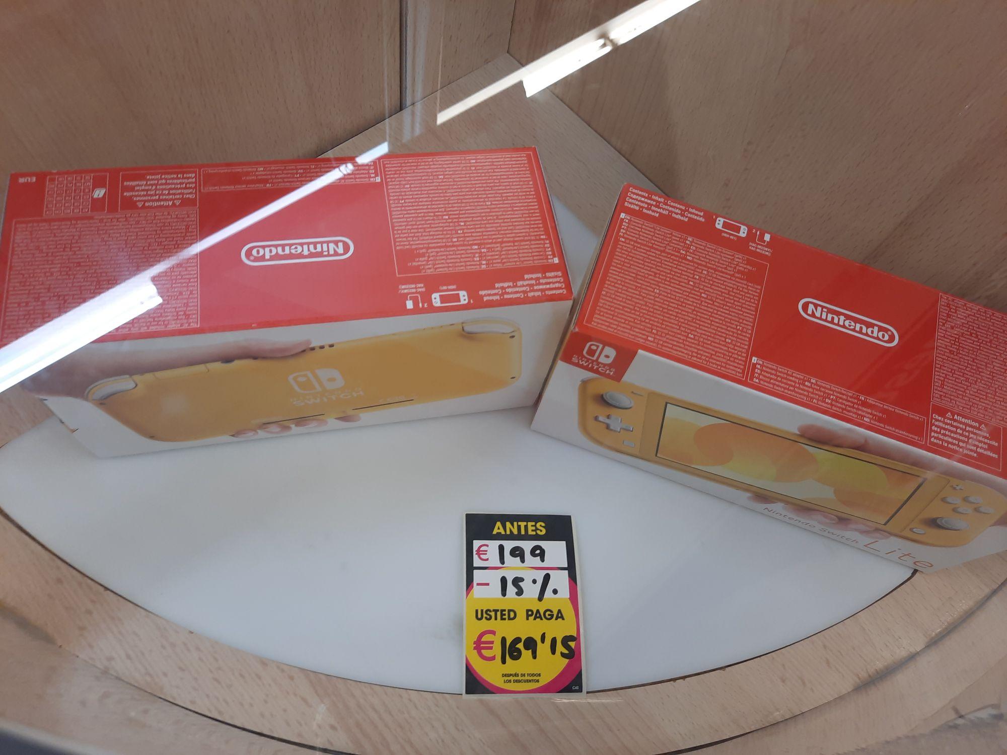 Nintendo Switch Lite amarilla en Eroski del CC Luz del Tajo, Toledo.