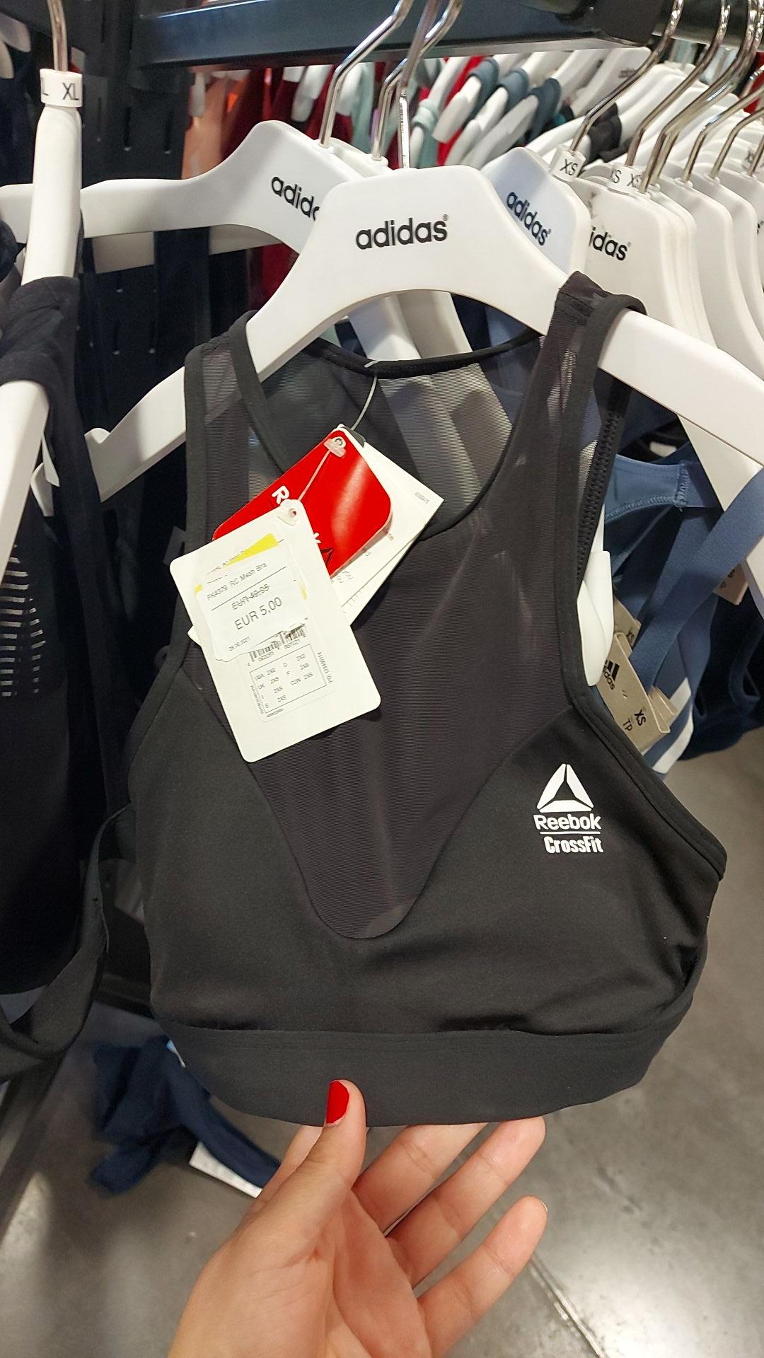 Top deportivo Reebok Adidas outlet de Sevilla
