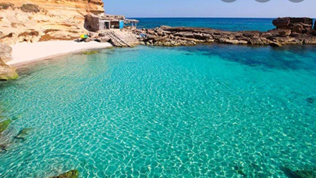 Ibiza Hotel 3* (2 noches /3 días)+ Media Pensión + Ferry a Formentera + Cancela gratis desde solo 125€ (PxPm2)
