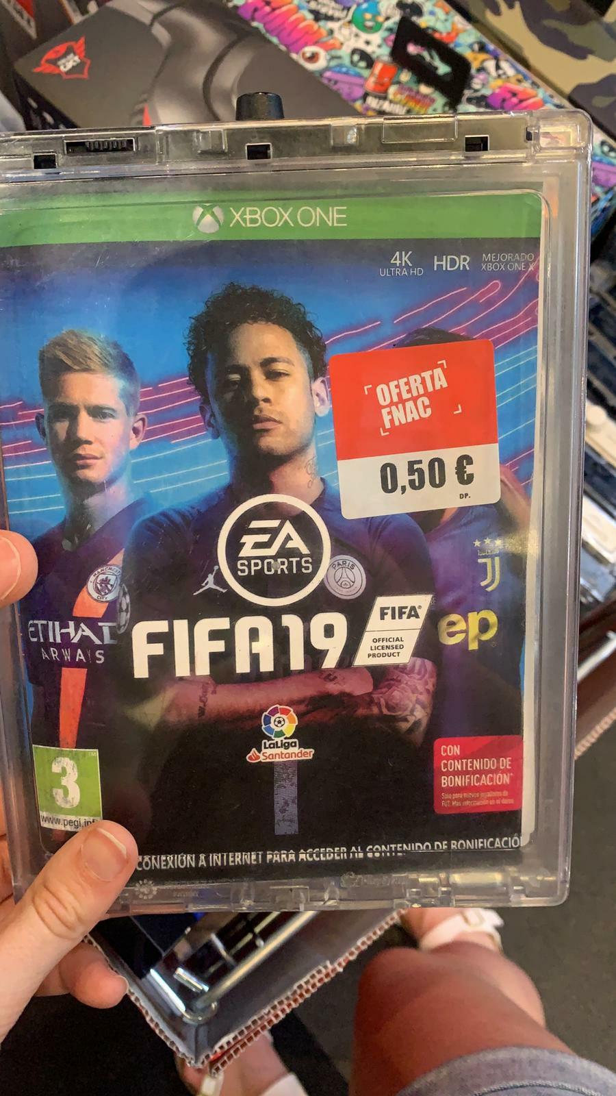 FIFA 19 en Fnac de Triangle. (Plaza Cataluña)