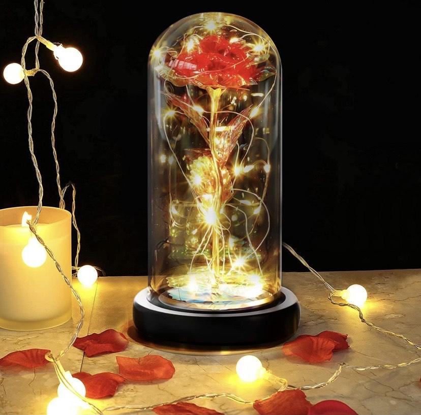 Rosa de Seda Roja Elegante Cúpula de Cristal con Base Pino Luces LED
