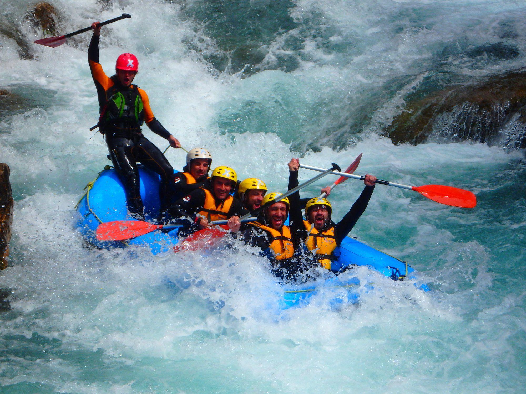 Surca las Aguas del Pirineo en Rafting+ Noche Hotel 3* +Desayunos+ Cancela Gratis por solo 54€ (PxPm2)