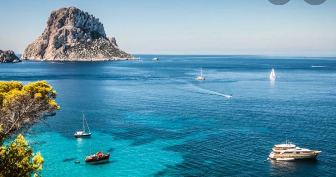 Agosto en Ibiza 5 noches Alojamiento + (Cancelación gratis) + Vuelos Incluidos. ¡Muchos aeropuertos! (PxPm2)