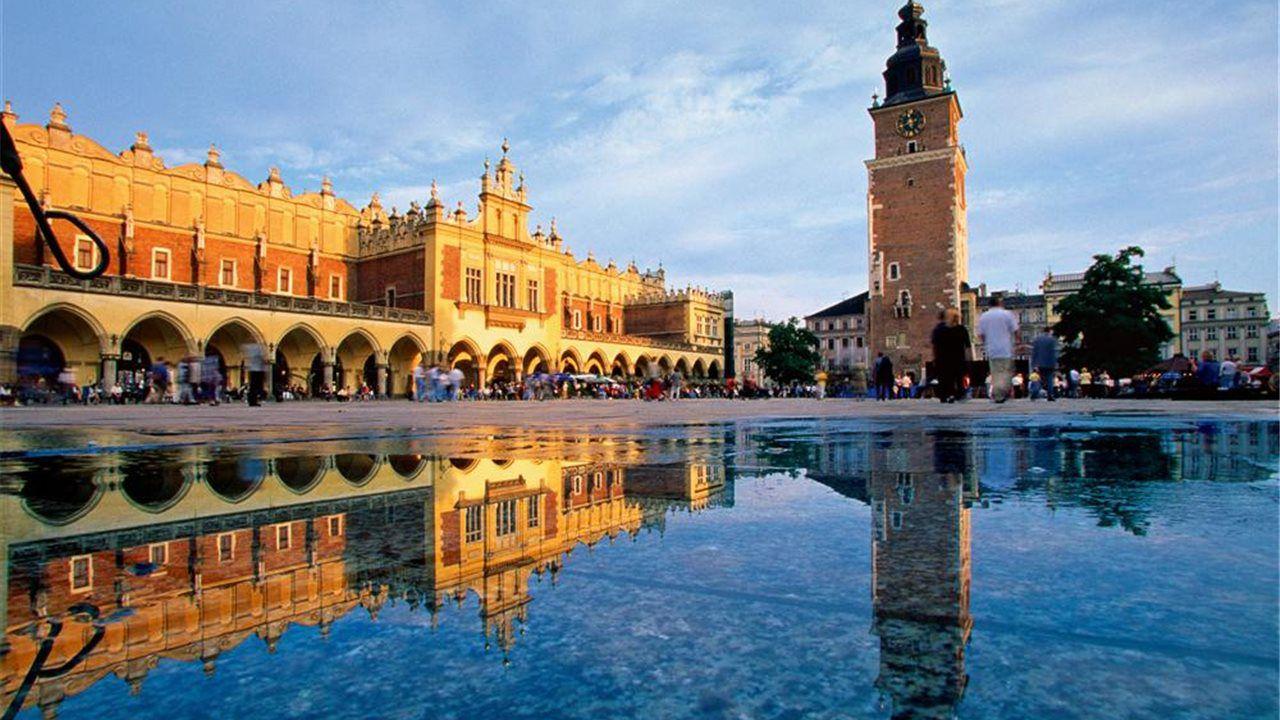 Chollo Loco a Cracovia en Agosto 4 noches de Hotel (Cancela gratis) + Vuelos ida y vuelta por solo 83€ (PxPm2)