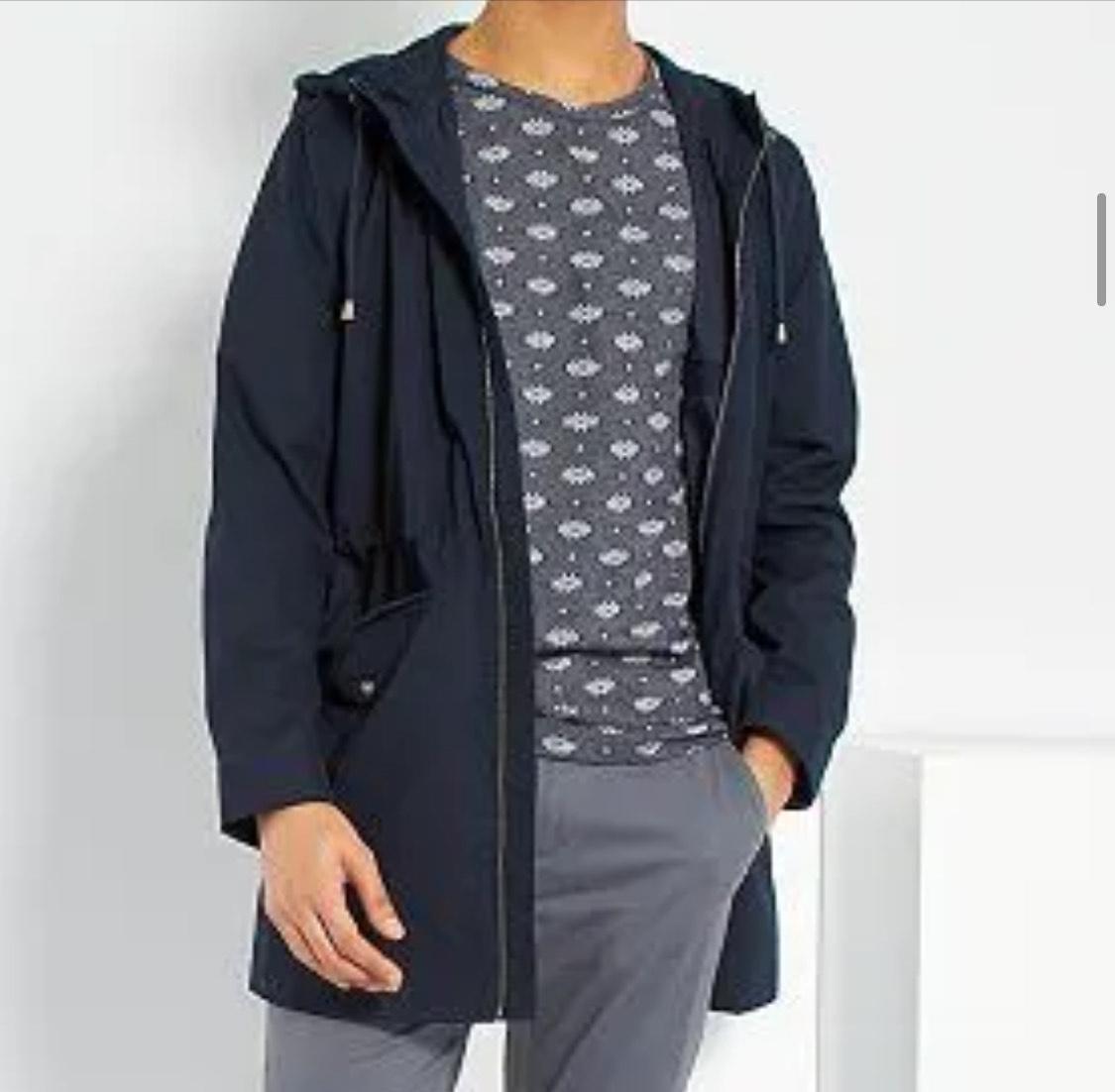 Parka ligera capucha hombres tallas de la S a XXL (recogida en tienda gratis)