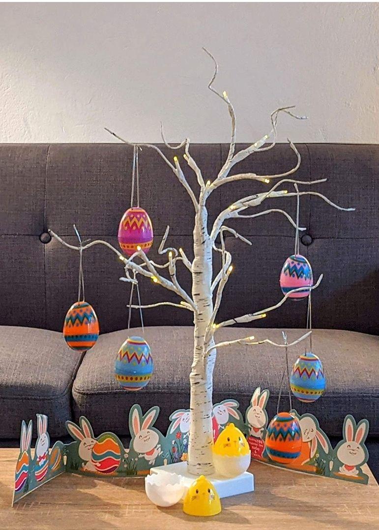 Árbol de Luz LED 60cm Abedul con 10 Adornos Colgantes de Huevos de Pascua (se pueden quitar)