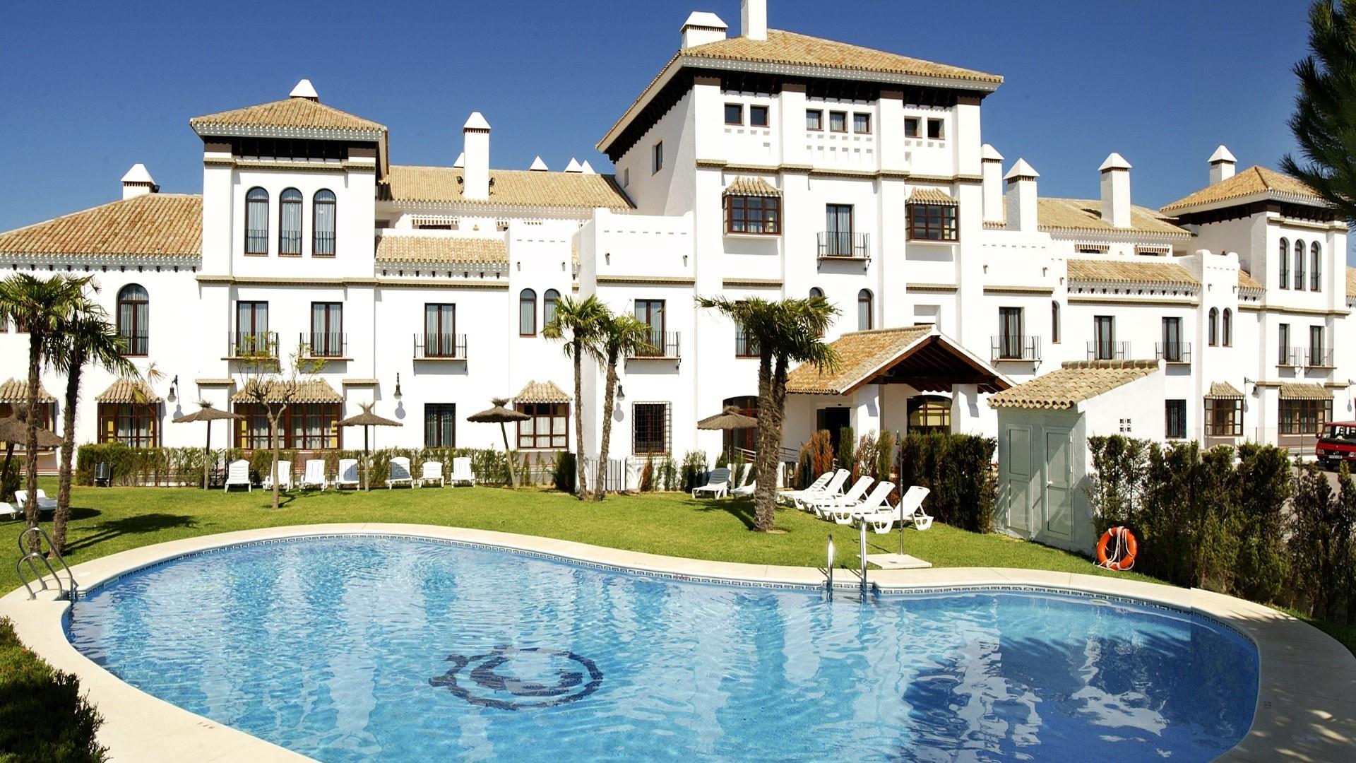 Hotel El Cortijo Matalascañas 4* + Media pensión desde 56€ p/p noche