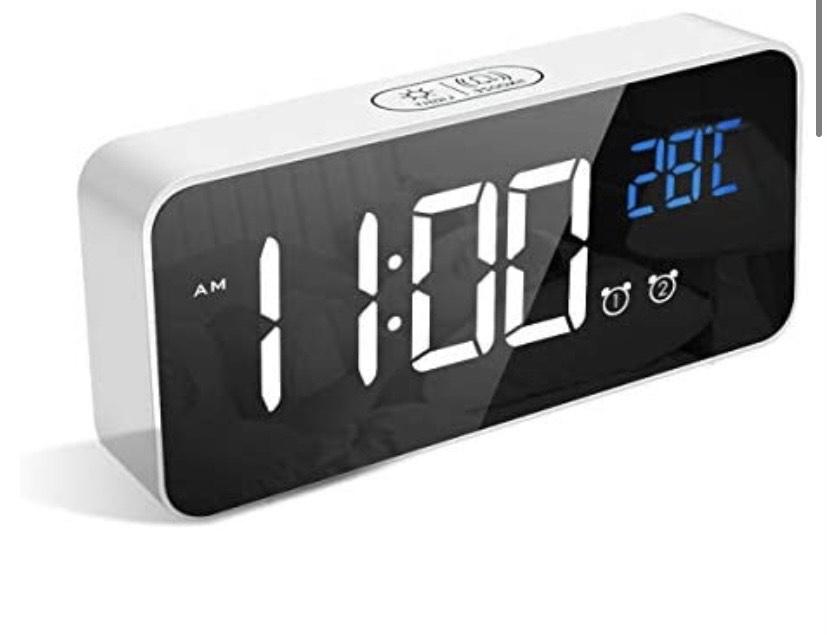 Reloj Despertador Digital LED