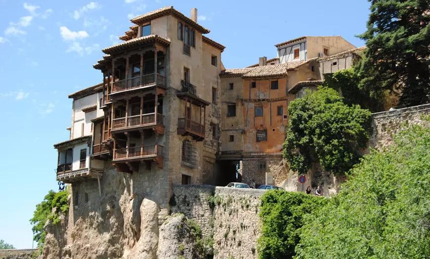 Cuenca: 1 o 2 noches en habitación doble para 2 personas con desayuno o media pensión en Hotel Valmar