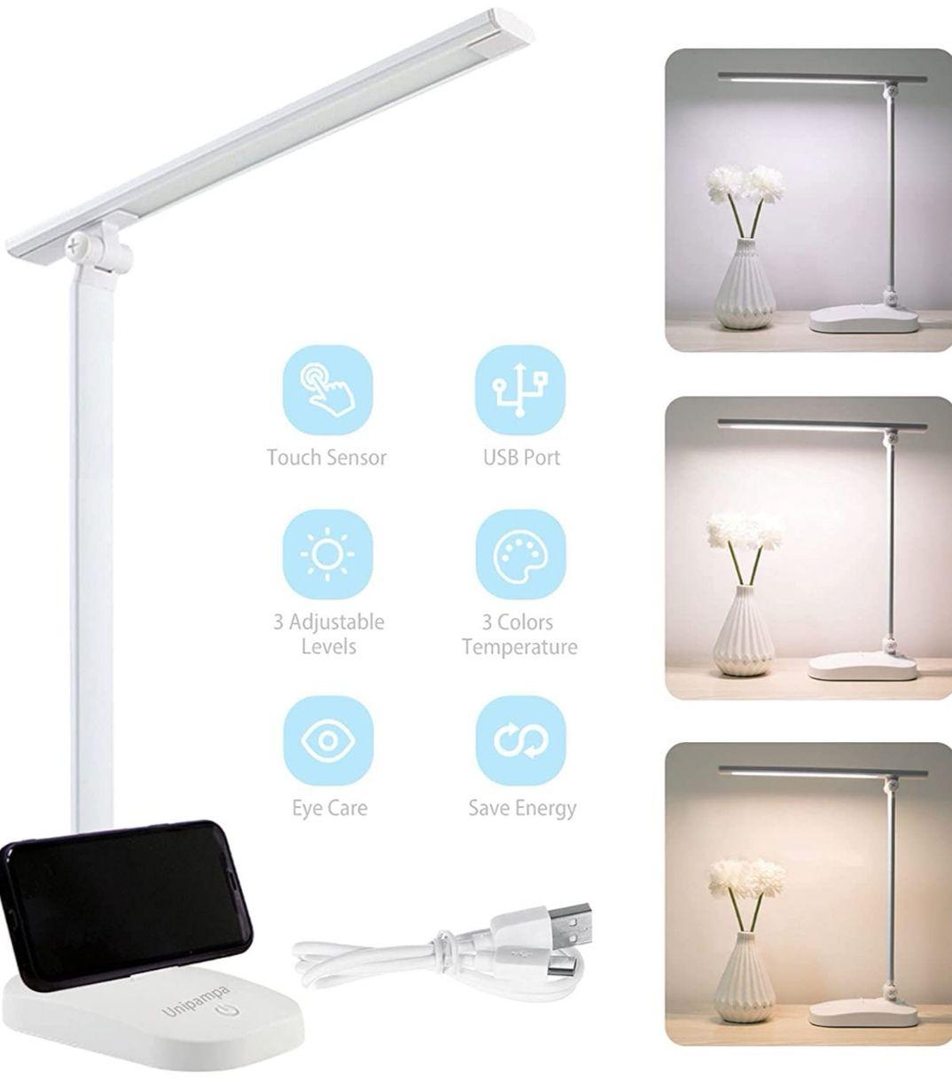 Lámpara LED, carga USB. 3 Modos de Color y 3 Niveles de Brillo