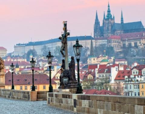 Praga 79€/p = 3 noches en hostal y vuelos ida/vuelta incluidos