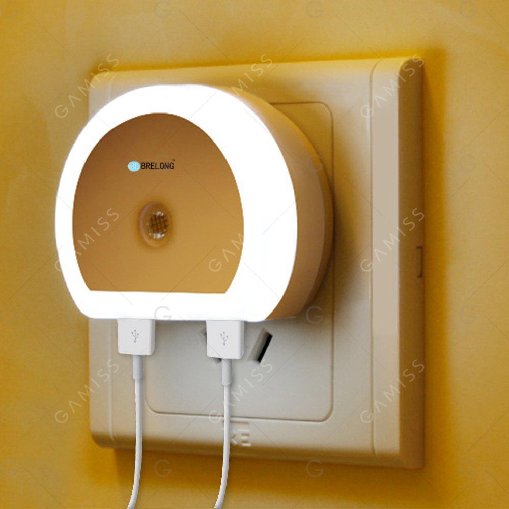 Luz nocturna con sensor y 2 USB 2.53€