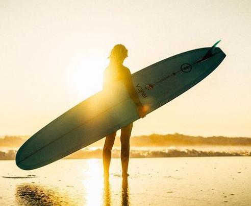 Asturias: 2 noches de Surf Camp con todo incluido solo 99€