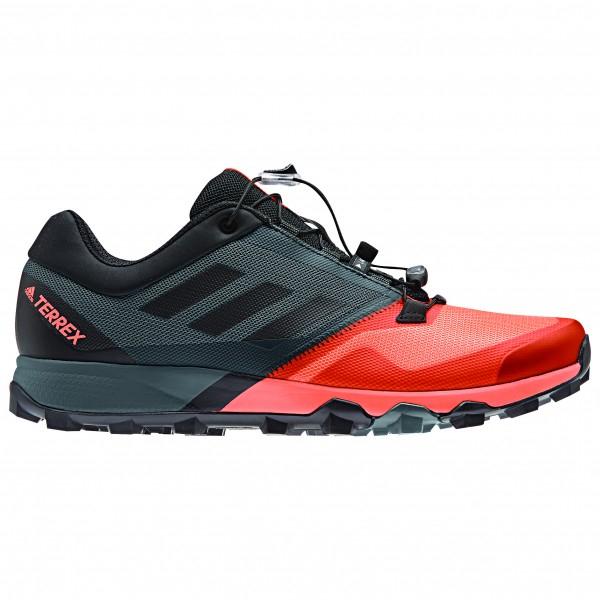 Zapatillas y material en general de montaña con 50% DTO.