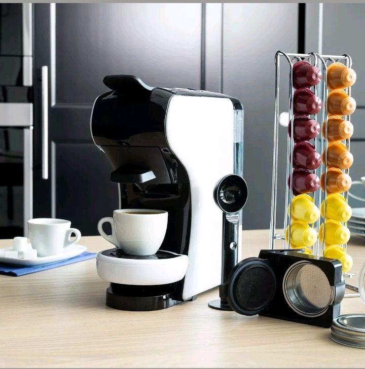 Cafetera multicapsulas.  Compatible con Nespresso, Dolce gusto y Coffee Express.